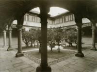 Casa de Oñate o de los Guzmanes (patio)