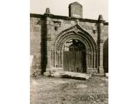 Portada de la antigua iglesia