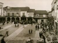 La plaza en un día de mercado