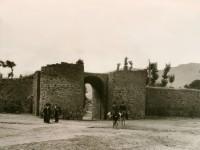 Muralla y puerta