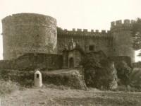 Castillo de Beltrán de la Cueva (entrada exterior)
