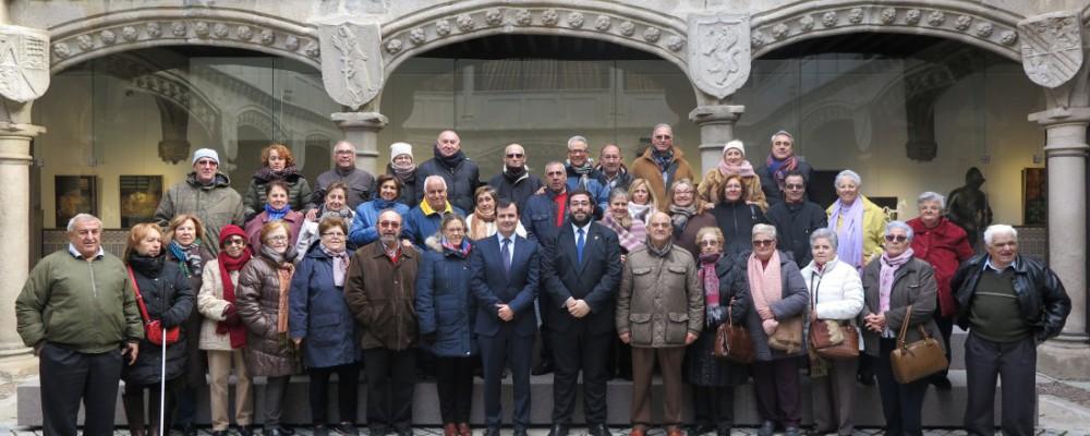 La Asociación de la tercera edad Santísima Trinidad visita la Diputación de Ávila