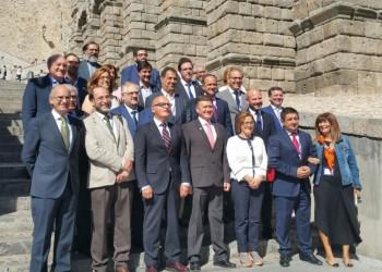 El presidente de la Diputación plantea flexibilizar la Ley de Estabilidad Presupuestaria (2º Fotografía)