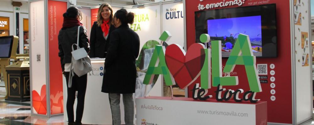 La Diputación de Ávila promociona la oferta turística de la provincia en una gran superficie comercial de Madrid