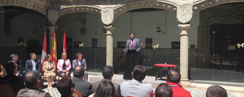 La Diputación acoge la imposición de la Medalla de plata del Colegio Oficial de Ingenieros Técnicos de Obras Públicas a Miguel Ángel Rivero