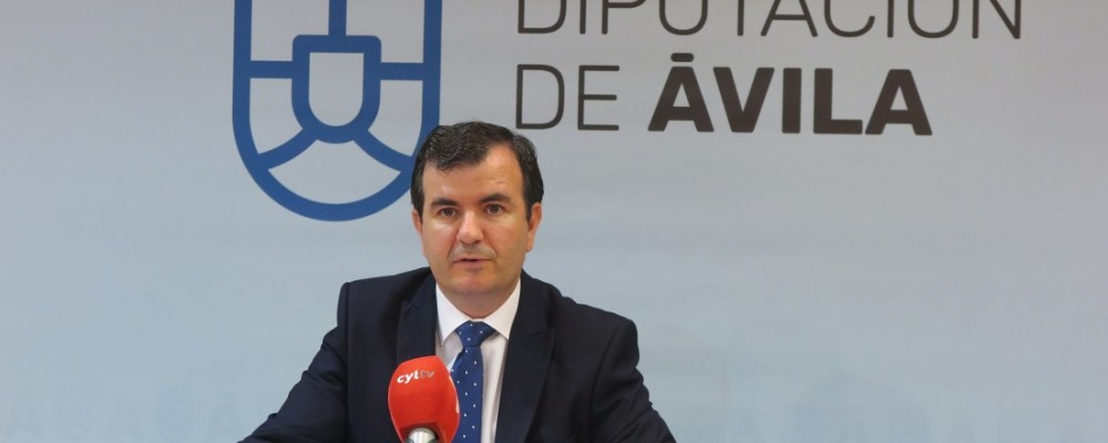 La Diputación de Ávila invierte cerca de medio millón de euros en mejorar la red provincial de carreteras