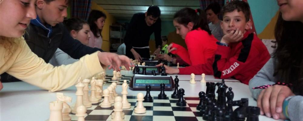 Los Encuentros Deportivos reúnen este fin de semana en Naturávila a 160 escolares de una veintena de localidades