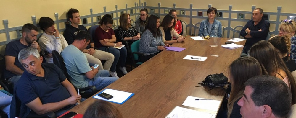 La Diputación de Ávila prepara la nueva temporada de Juegos Escolares en una reunión de trabajo con los monitores de la provincia