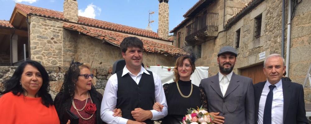 Navacepedilla de Corneja celebra sus fiestas de verano con una recreación de una boda antigua