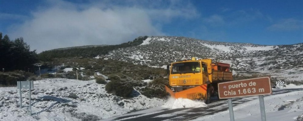 La Diputación de Ávila actúa en una decena de carreteras de la provincia afectadas por nieve o agua