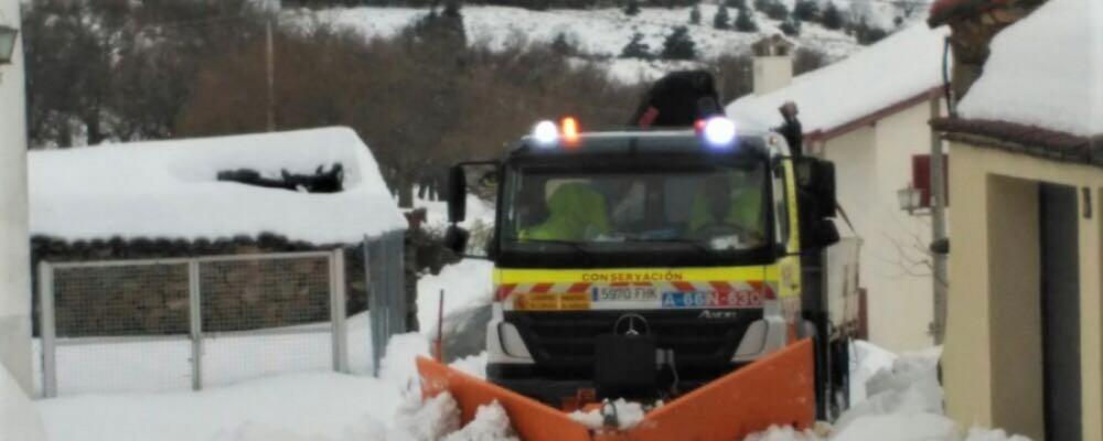 La Diputación de Ávila colaborará con los ayuntamientos de la provincia en la limpieza de los núcleos urbanos afectados por la nevada