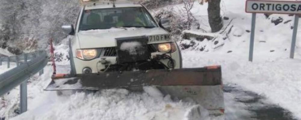 La Diputación de Ávila recomienda precaución en las carreteras por la formación de placas de hielo en tramos puntuales de la red