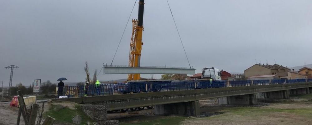 La Diputación de Ávila ejecuta obras de ampliación del puente de acceso al municipio de El Fresno, en la carretera AV-P-402