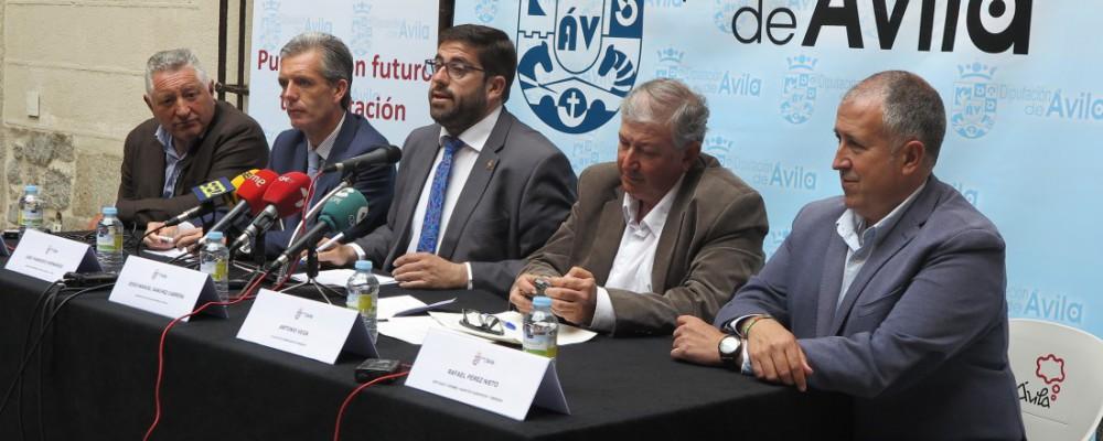 La Diputación de Ávila contribuye a la celebración de Ornitocyl para impulsar la provincia como referente nacional en turismo ornitológico