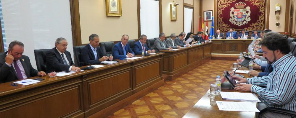 La Diputación de Ávila insta a la Junta a implantar el transporte a la demanda en la provincia con los centros de salud como eje