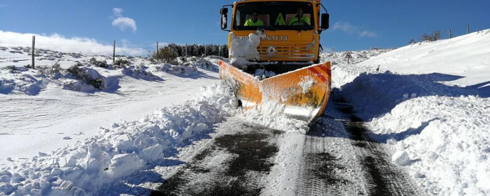 El dispositivo de vialidad invernal de la Diputación facilita la apertura al tráfico de la totalidad de la red viaria provincial