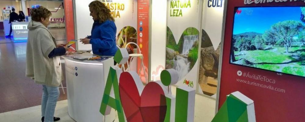 La provincia de Ávila se promociona en la estación de trenes de Chamartín