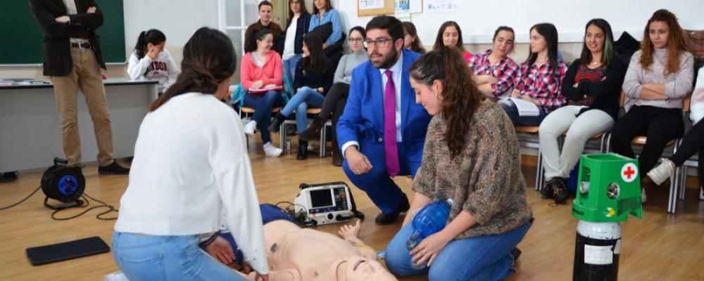 El presidente de la Diputación subraya la trayectoria de la Escuela de Enfermería de Ávila, de la que han salido más de 2.000 profesionales
