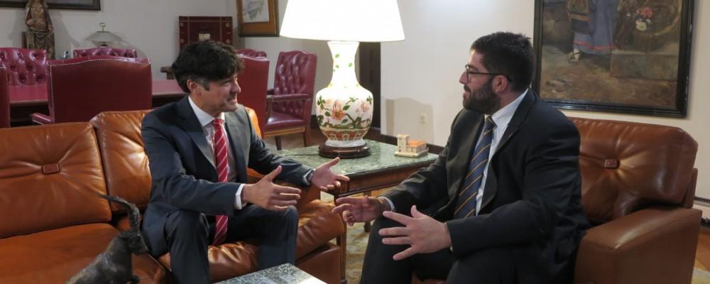 El presidente de la Diputación de Ávila recibe al nuevo subdelegado del Gobierno