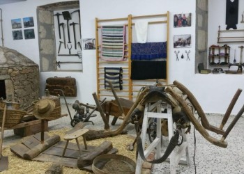 El presidente en funciones de la Diputación de Ávila asiste a la inauguración del Museo Etnográfico 'Stanley Brandes' en Becedas (2º Fotografía)