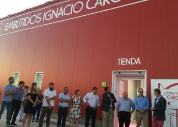 El presidente de la Diputación resalta el valor de las empresas familiares en la inauguración de Embutidos Ignacio Caro en Sanchidrián (2º Fotografía)