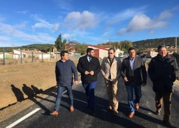 La Diputación de Ávila realiza obras de mejora en la carretera entre Muñogalindo y Salobralejo (2º Fotografía)