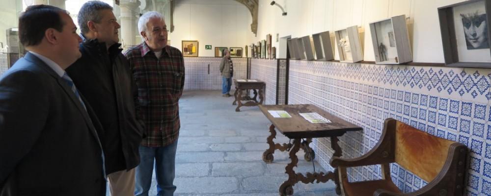 El collage se abre paso en el Torreón de los Guzmanes a través de dos exposiciones