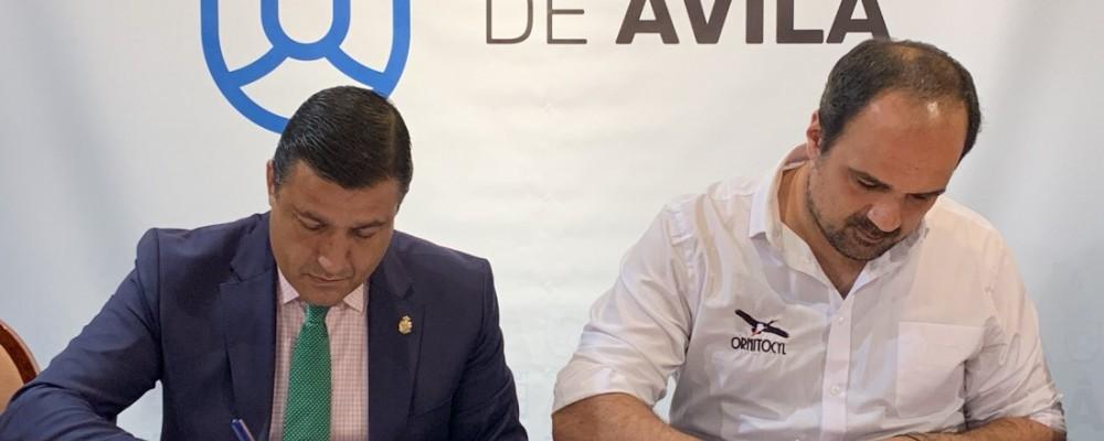 La Diputación firma un convenio de colaboración con Birding Ávila para la celebración de la II Feria Ornitológica de Castilla y León