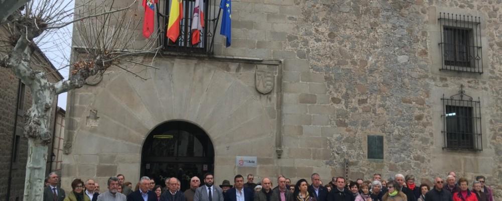 La Diputación de Ávila recuerda con un minuto de silencio a las víctimas del 11-M