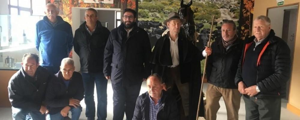El presidente de la Diputación de Ávila reivindica en Navalonguilla el valor de la actividad ganadera y la trashumancia en la provincia