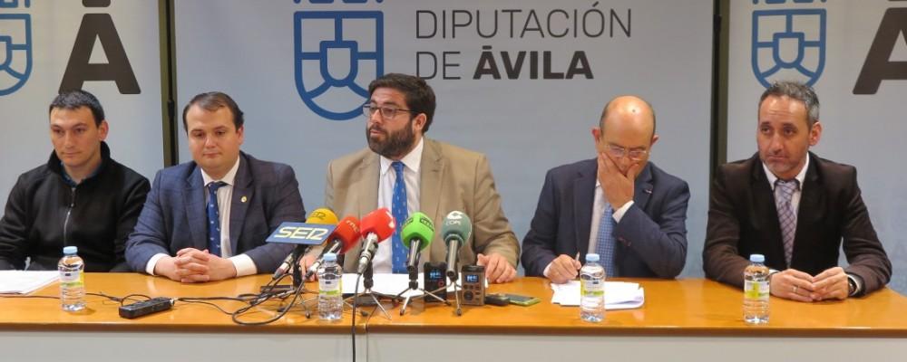 El presidente de la Diputación destaca el compromiso de la institución provincial con la cultura abulense a través de las becas de investigación de la IGDA