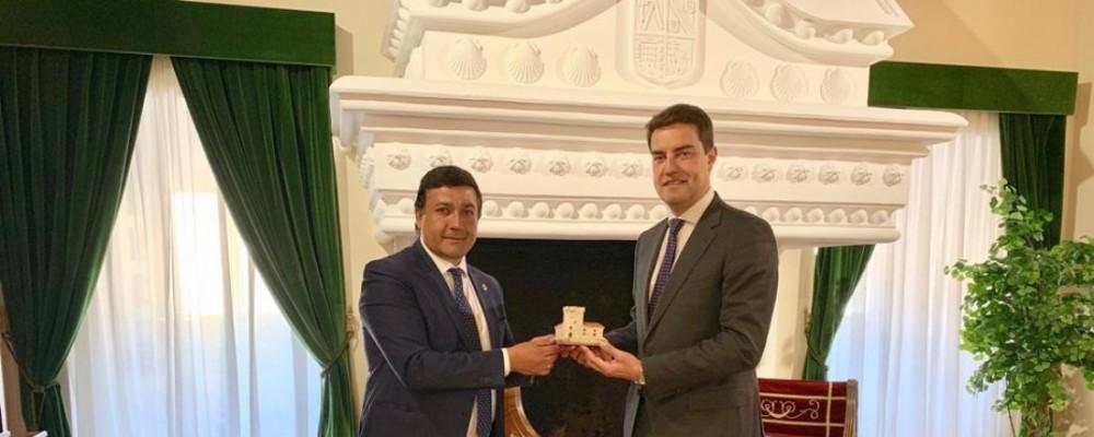 El presidente de las Cortes de Castilla y León visita la Diputación Provincial de Ávila