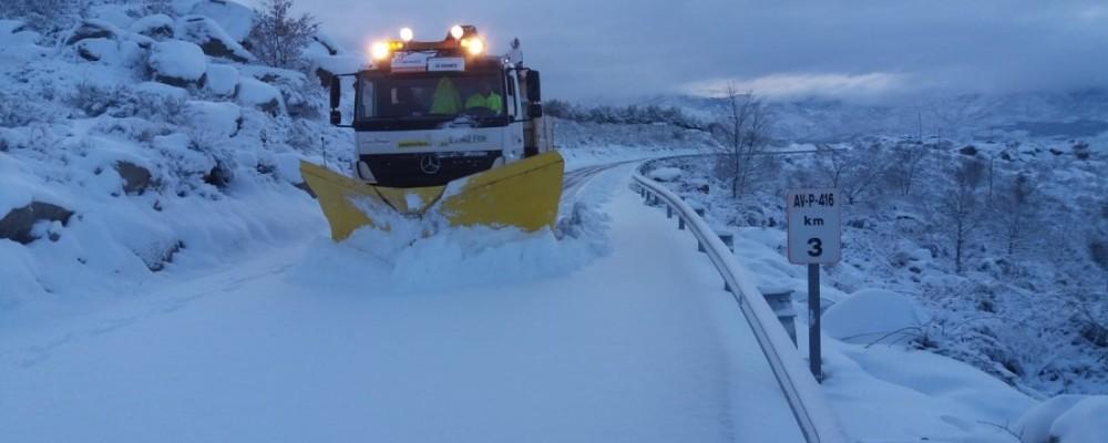 106 toneladas de sal esparcidas en 122 carreteras de la red provincial durante este martes de nieve