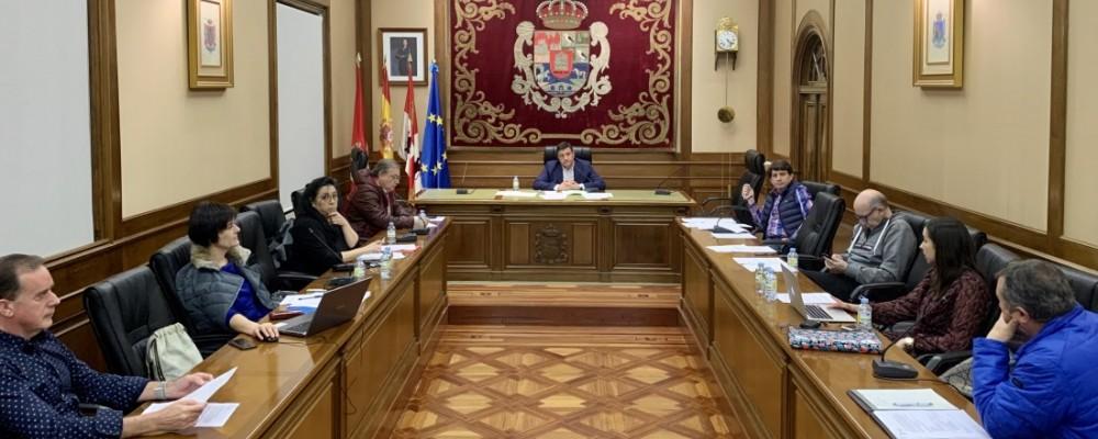 La Diputación crea una línea de ayudas a los ayuntamientos y cierra al público sus dependencias