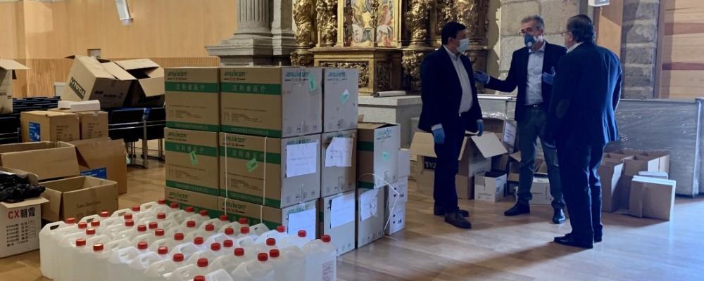 La Diputación dona a la Junta material de protección para los profesionales de la Sanidad abulense