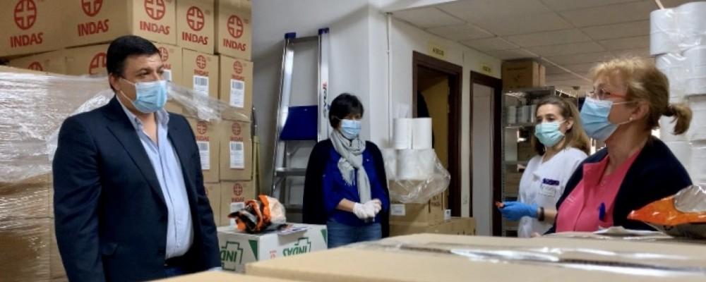 Al personal del Centro Residencial se le ha dotado en todo momento del material necesario para su protección