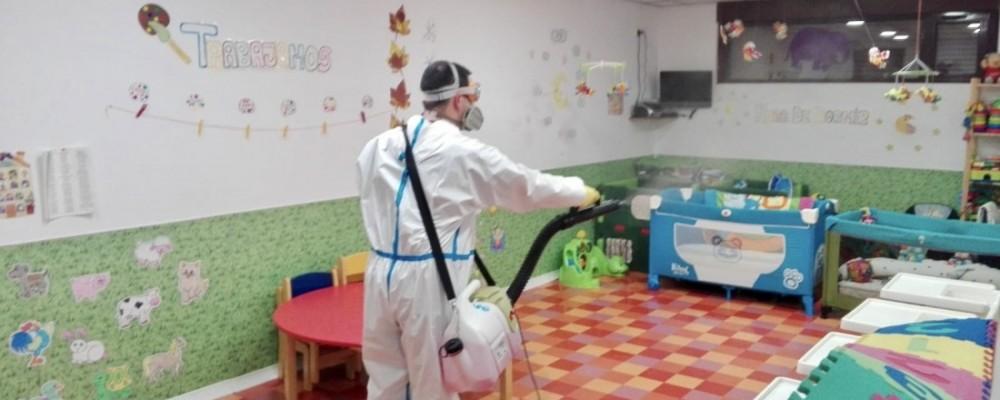 La Diputación actúa desinfectando veinte espacios durante la jornada del martes