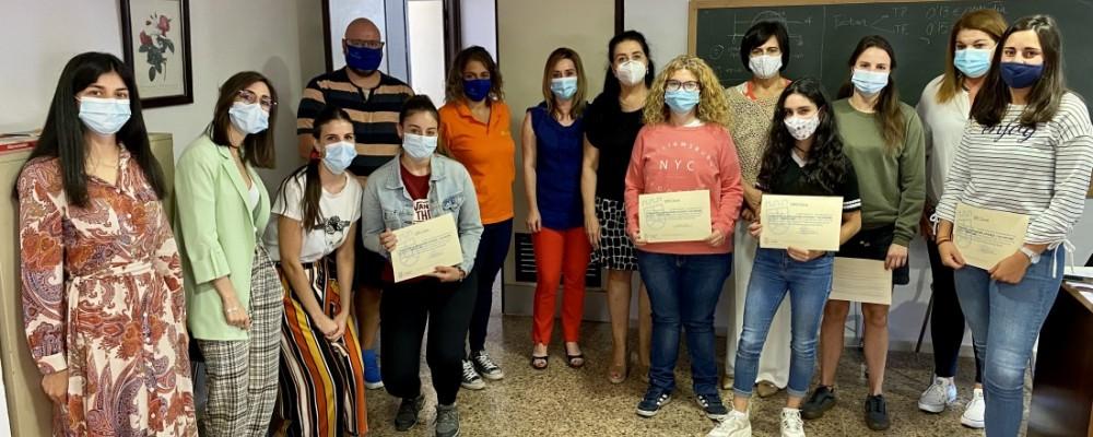 Doce mediadores juveniles y monitores de ocio, formados en prevención de consumo de alcohol y drogas