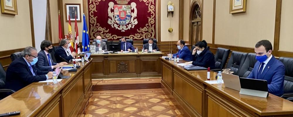 El Pleno corporativo de octubre aprueba cuatro mociones sin votos en contra