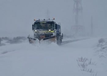 Más medios para despejar de nieve las carreteras de la red provincial de Ávila en una dura jornada (3º Fotografía)