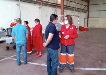 """El presidente agradece el trabajo """"de profesionales y voluntarios"""" en la extinción del incendio de San Pedro del Arroyo (4º Fotografía)"""