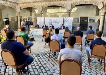 16 clubs de fútbol y ciclismo de la provincia, beneficiarios de las ayudas de la Diputación (2º Fotografía)