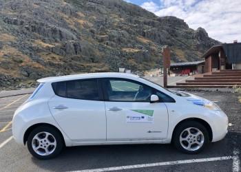 El vehículo eléctrico de la Diputación llevó la movilidad sostenible a Gredos en agosto (2º Fotografía)