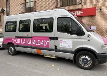 Un microbús lleva desde hoy la campaña 'Diputación por la Igualdad' a 34 municipios de la provincia (2º Fotografía)