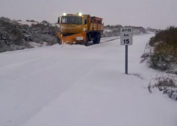 Todo el dispositivo provincial de vialidad invernal, activado ante la primera aparición de la nieve (2º Fotografía)