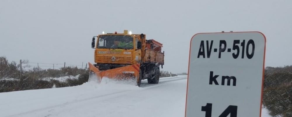 Todo el operativo de vialidad invernal se vuelca para paliar los efectos de la nieve que deja Filomena