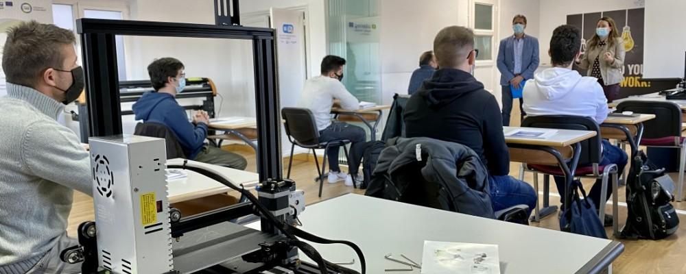 Diez emprendedores abulenses comienzan a recibir formación sobre impresión 3D y fabricación aditiva