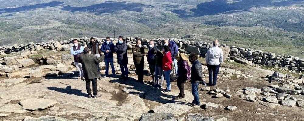 Uno de los templos del yacimiento de la Mesa, en Navarrevisca, al descubierto gracias a la inversión de la Diputación