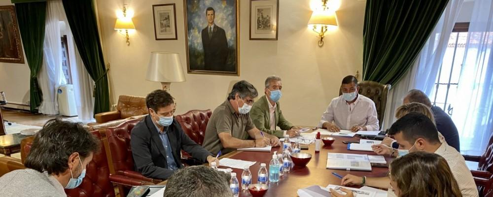 La Diputación y la Junta se coordinan para acometer las obras que garantizarán el suministro de agua a los municipios afectados por el fuego