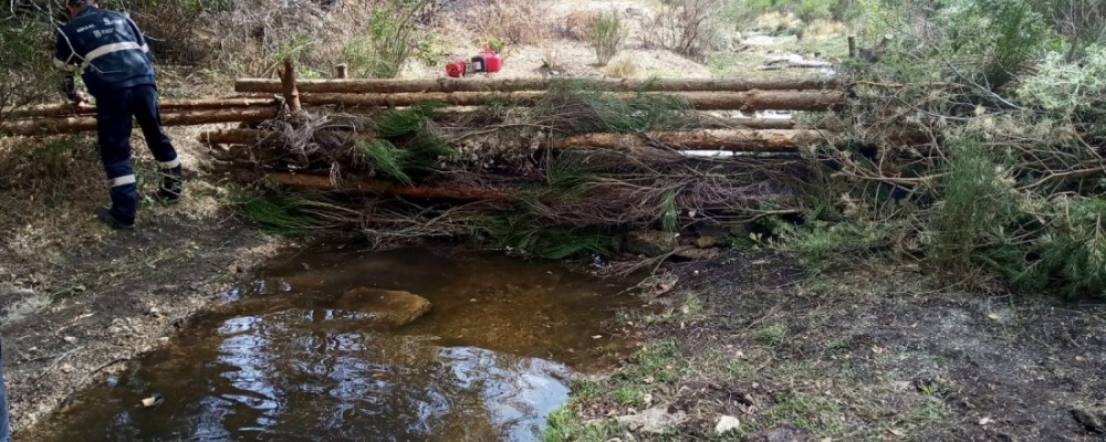 Fajinas forestales para proteger acuíferos y captaciones de agua frente al arrastre de cenizas